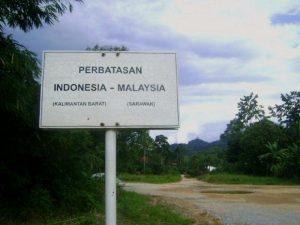 671001tugu_batas_indonesia-malaysia