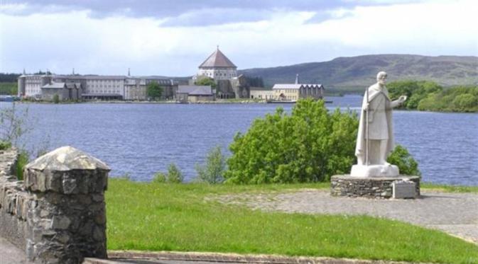 Irlandia Biara St Patricks di Irlandia (Kenneth Allens,Wikicommons)